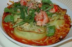 Pastarolletjes met rivierkreeft, basilicum en tomatensaus