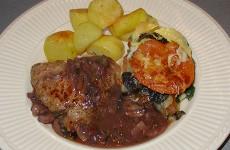 Kalfsoester met champignon-rode wijn saus