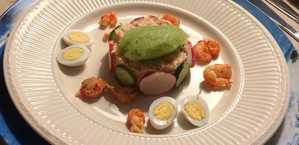 Tartaar van zalm en rivierkreeftjes met sorbet van komkommer